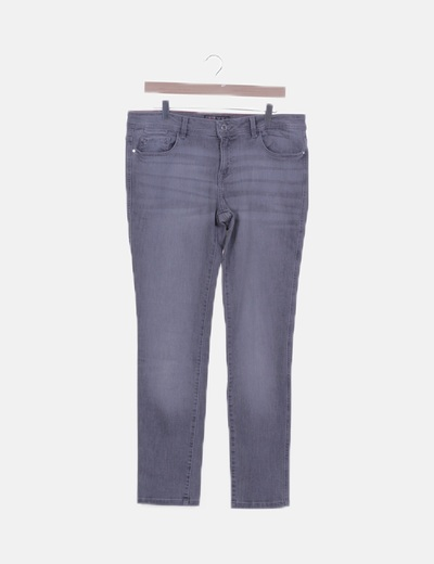Pantalón denim skinny gris