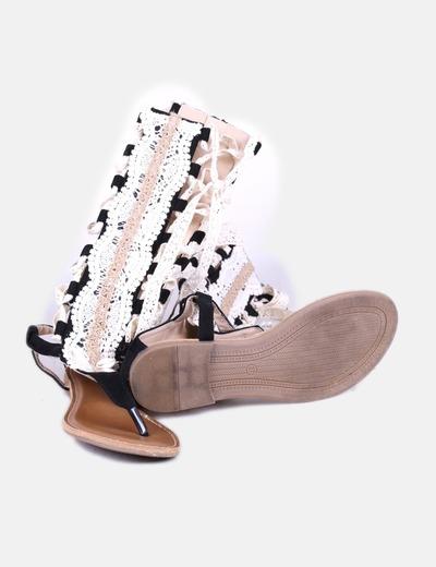 Sandalias romanas negras crochet