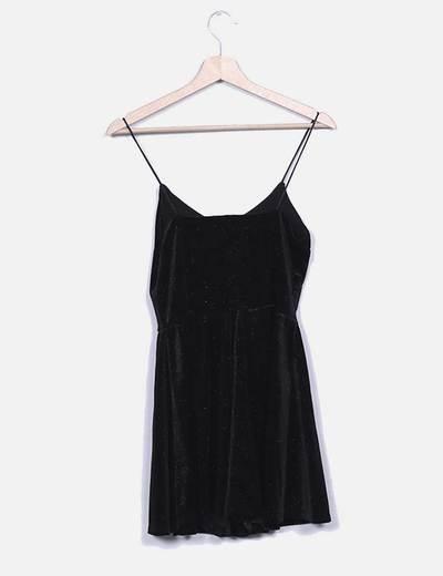 Vestido negro glitter con vuelo