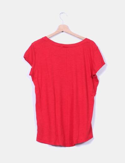 Camiseta roja de manga corta estampada