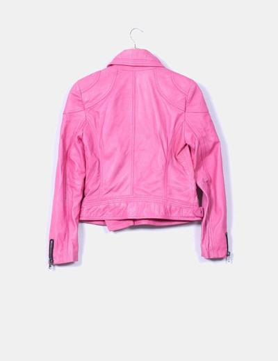 Cazadora biker rosa cremallera lateral