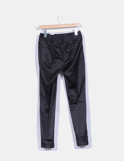 Pantalon recto texturizado detalle bolsillos