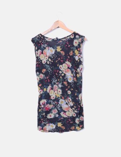 Camiseta fluida floral sin mangas