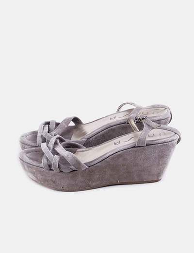 Sandalia gris de cuña Unisa