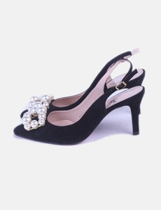 b1c213a4884db Salón negro destalonado con perlas Angari