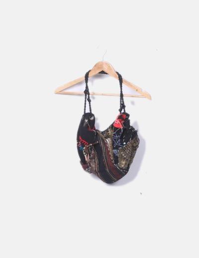 Bolso de tela combinado con cadenas