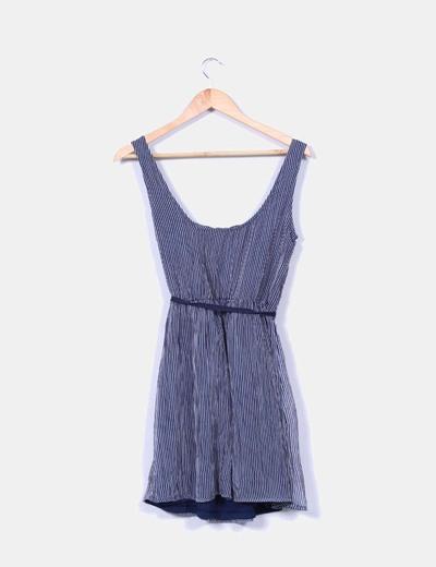 Vestido azul de rayas texturizado