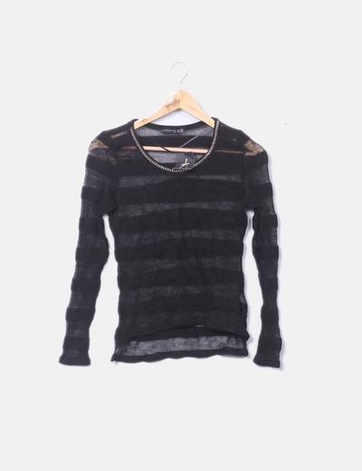 Jersey tricot  con detalle cadena en el cuello