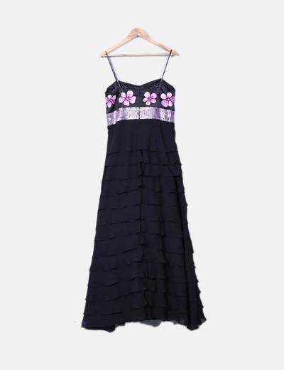 Maxi vestido negro con volantes escote floral y paillettes