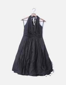 1dd70a016 Vestido fluido negro cuello halter Bimba Lola