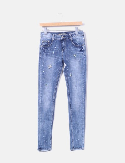 Jeans denim con abalorios
