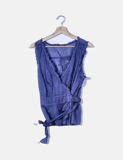 Blusa cruzada azul klein