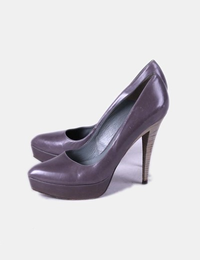 Zapato taupe de punta Pura López