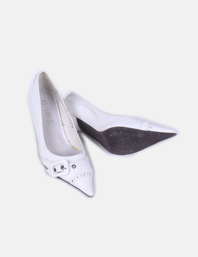 Zapato blanco con puntera