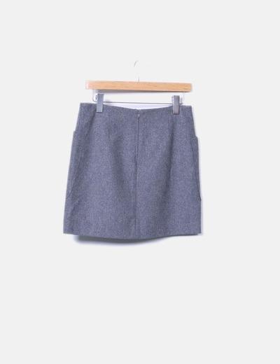 Falda gris con bolsillos