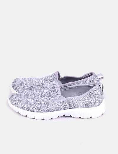 Sneaker gris jaspeada