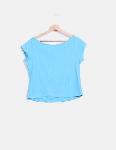 Camiseta azul combinada con paillettes
