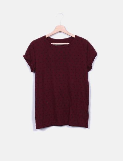 Camiseta burdeos topos negros Pull&Bear