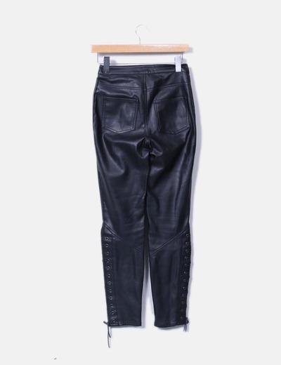 Pantalon negro efecto piel