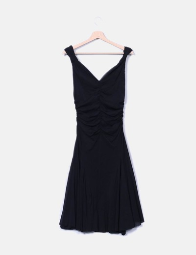 Vestido negro abullonado