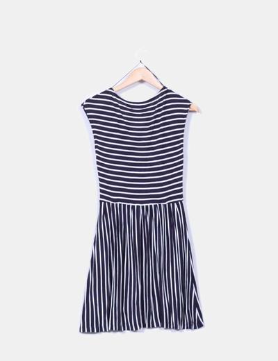 Vestido de rayas azul marino y blanco