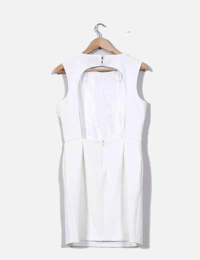Vestido Blanco Con La Espalda Descubierta