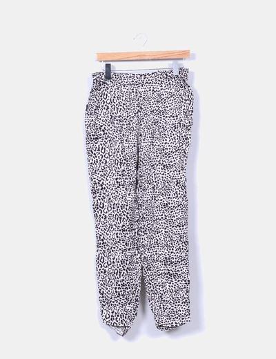 Pantalón baggy fluido estampado animal print Zara