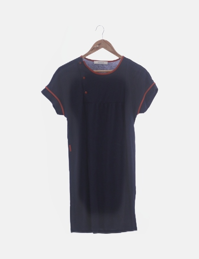 Vestido fluido azul marino ribete rojo