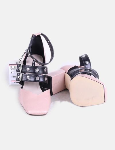 12934c24 Zara Zapato de piel con hebillas (descuento 62%) - Micolet