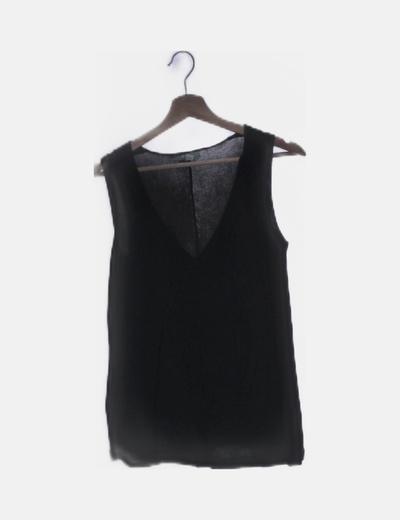 Camiseta tricot cuello pico negro