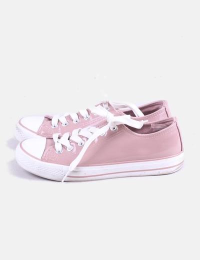 Zapatilla rosa acharolada