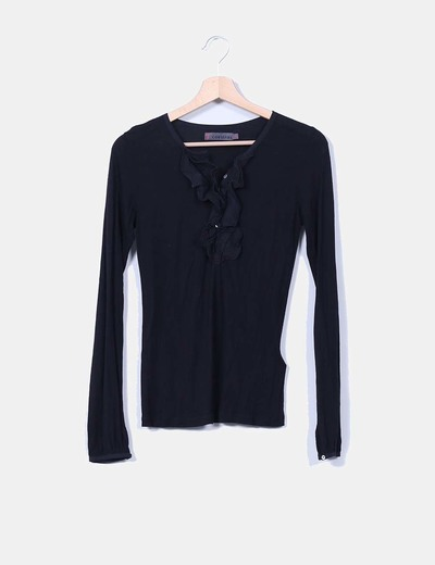 Camiseta negra de manga larga con chorrera Cortefiel