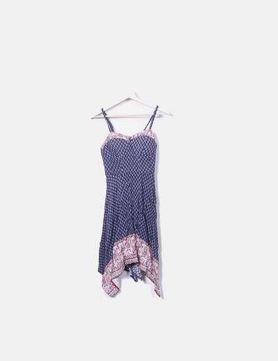 Look vestido azul marino estampado