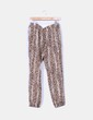 Pantalón baggy animal print Zara