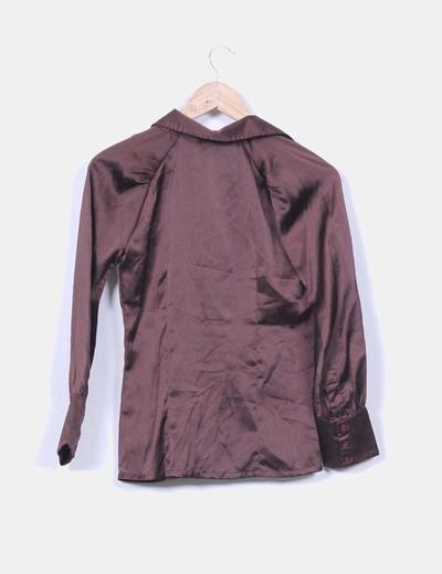 Blusa marron satinada manga larga