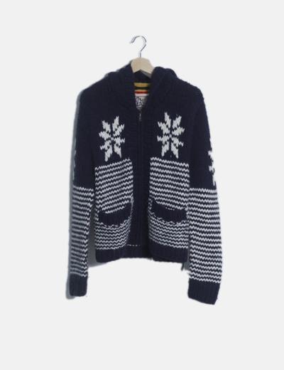 Chaqueta tricot capucha estampada