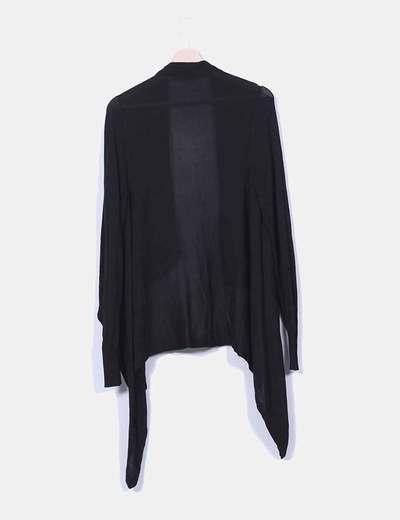 Cardigan negro corte asimetrico