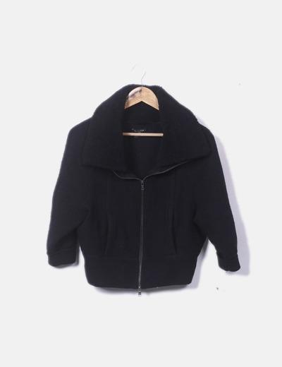 Chaqueta negra de lana
