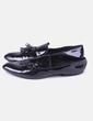 Zapato negro acharolado flecos Mango