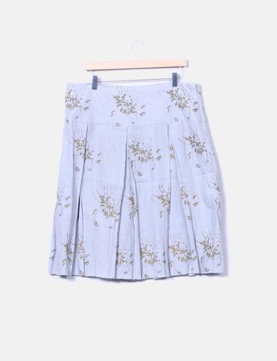Falda plisada gris con estampado
