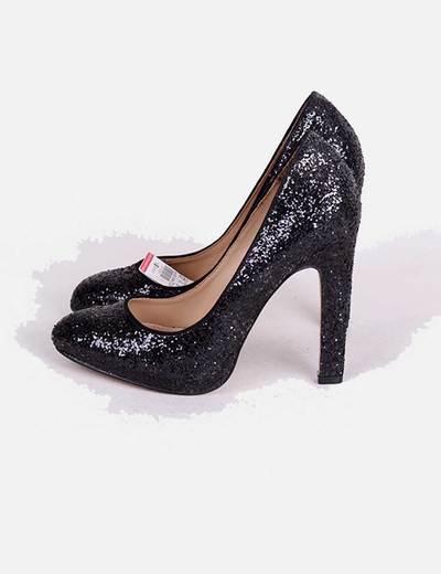 fotos oficiales d2c91 4fbc0 Zapato de tacón negro con brillos