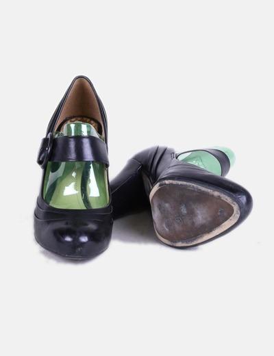 Zapatos negros de tacón hebilla