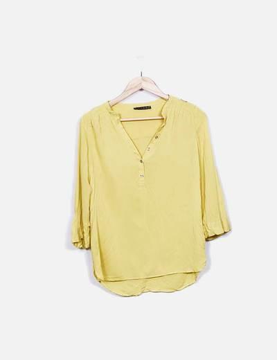 Blusa amarilla escote pico Atmosphere