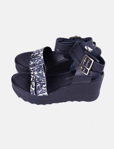 Sandalias plataforma cuero negro Pieces