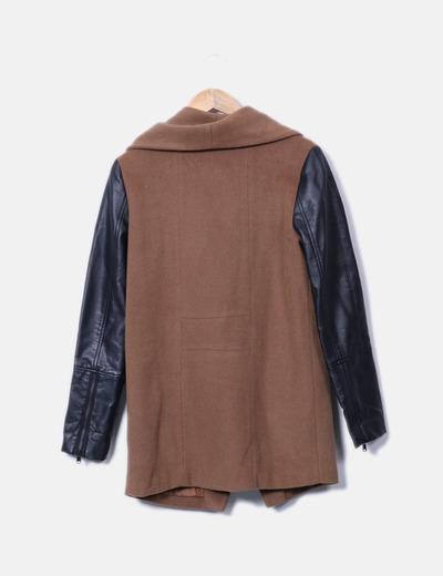 Abrigo largo combinado polipiel