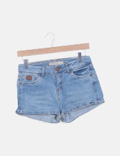Short denim azul claro bolsillos