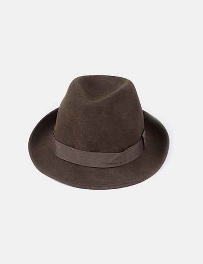 Sombrero verde oscuro