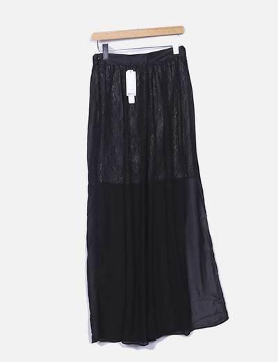 Falda semitransparente con encaje