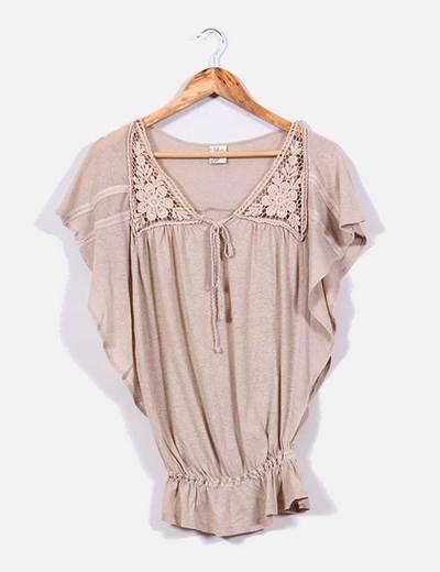 Camiseta beige manga mariposa XDYE