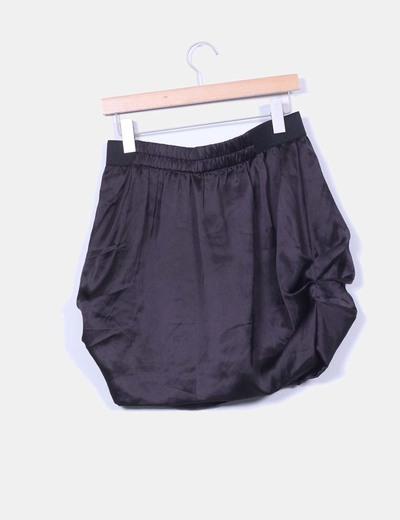 Falda mini negra satinada